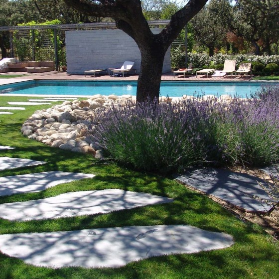 Piedra natural jardin Las Encinas
